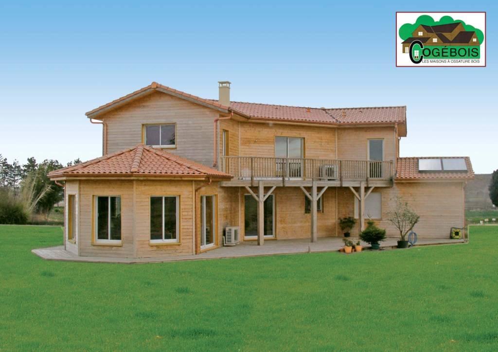 Maison construction bois r f 1 2 pr s de seissan dans le for Constructeur maison en bois gers