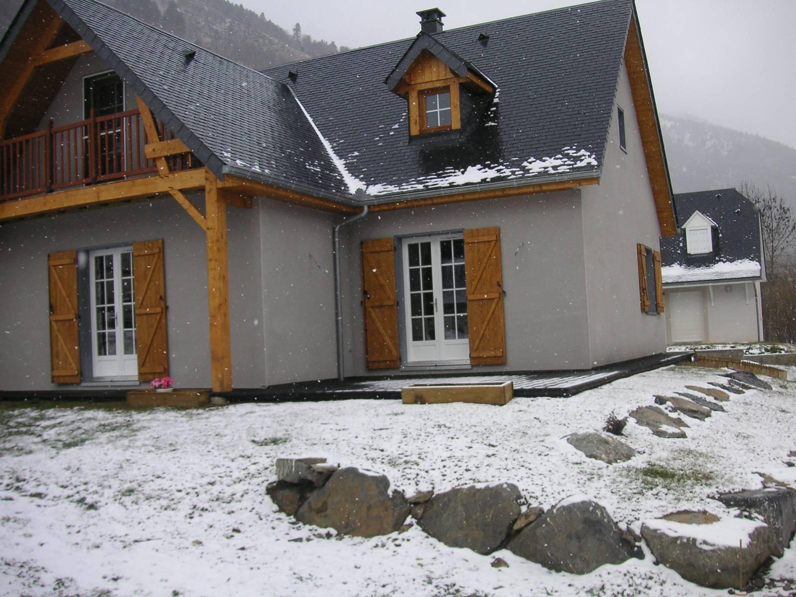 Maison construction bois r f 8 pr s de arreau dans les for Constructeur de maison hautes pyrenees