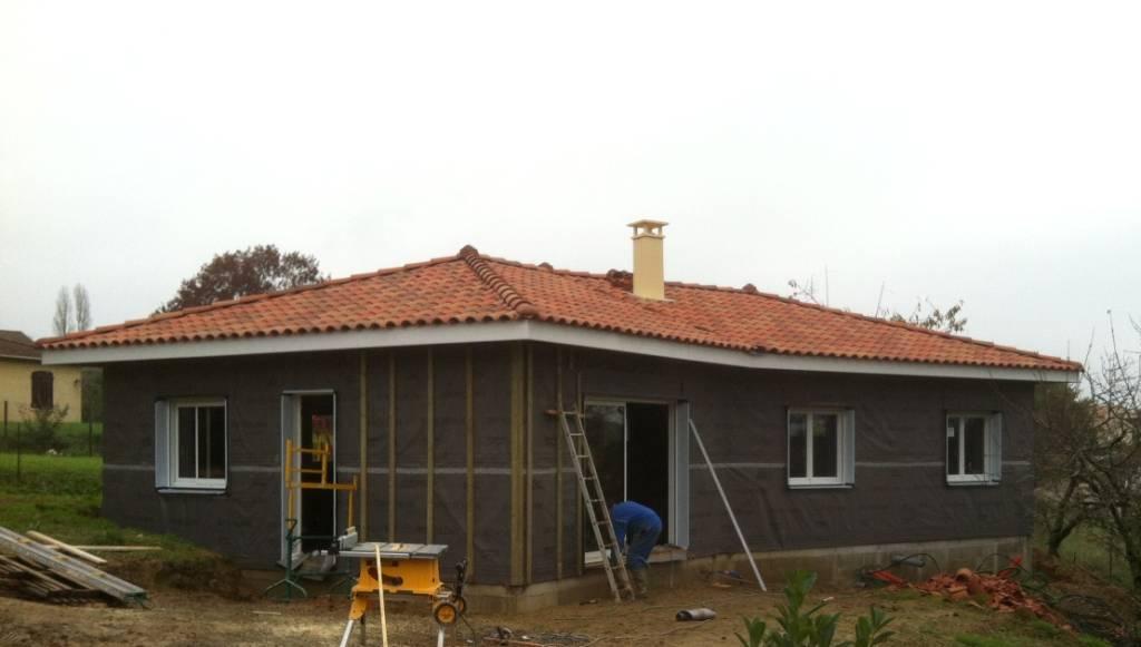 Maison bois r f 33 pr s de aire sur l 39 adour dans les for Constructeur maison landes 40