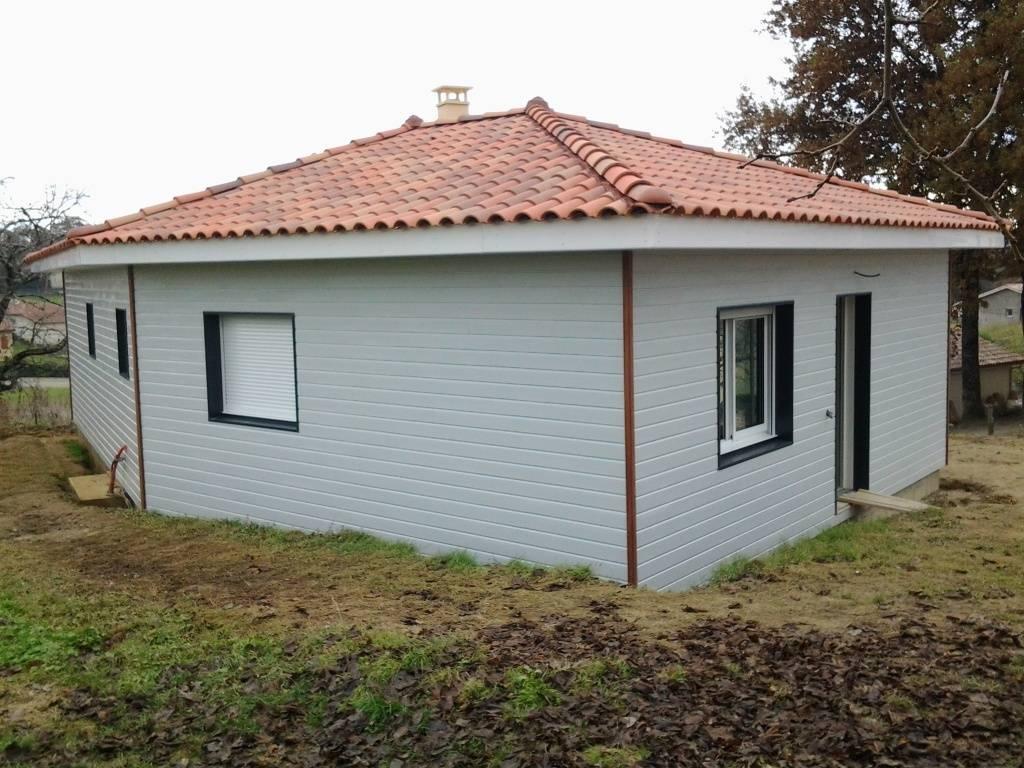 Maison bois r f 33 pr s de aire sur l 39 adour dans les for Garage auguchon aire sur l adour