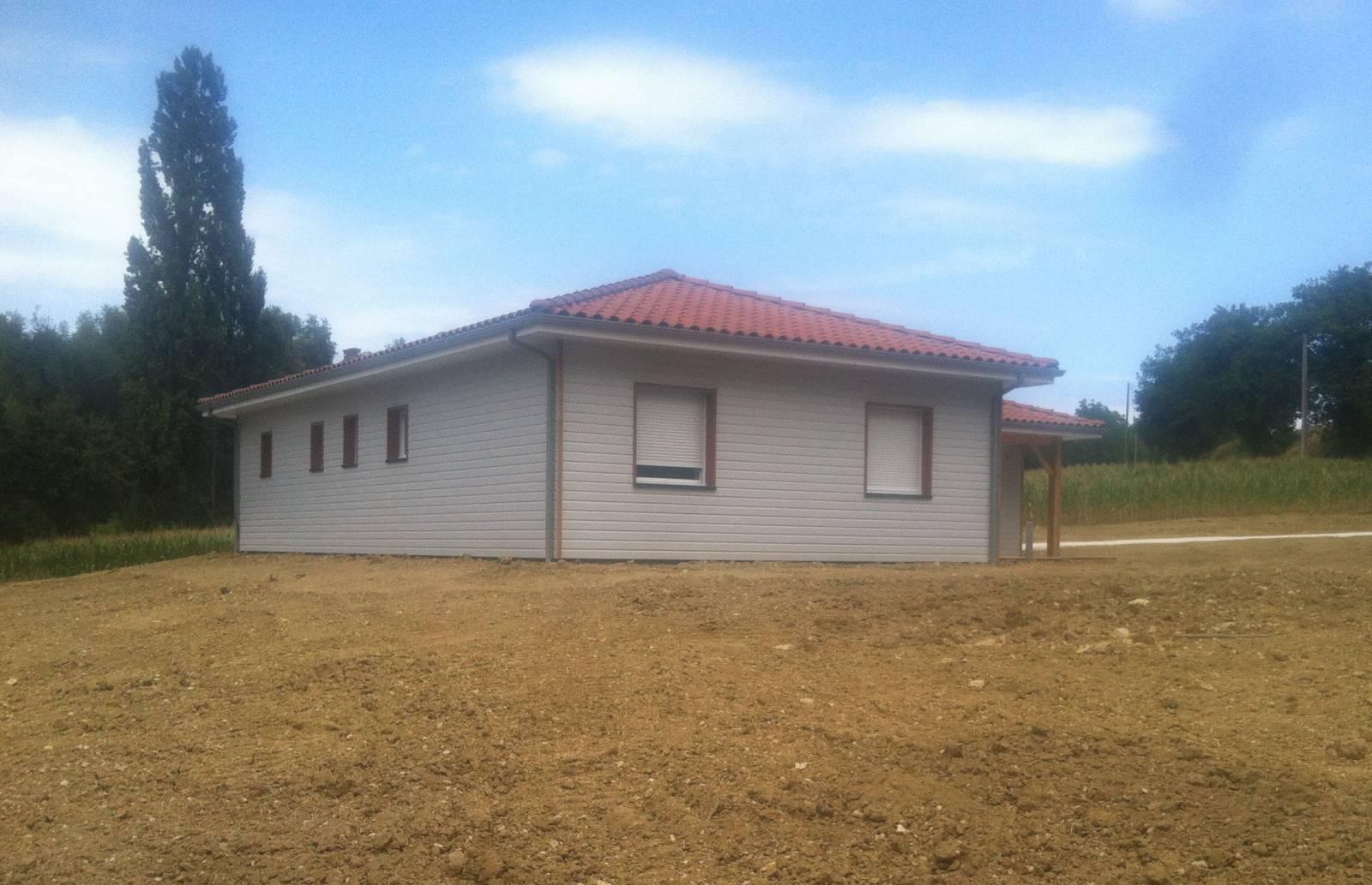 Maison construction bois r f 40 pr s de m zin dans le for Constructeur maison contemporaine lot et garonne