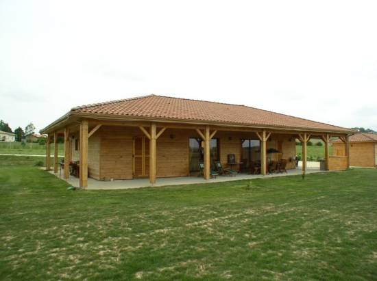 Fabrication de maison ossature bois dans le gers cogebois for Maison en autoconstruction